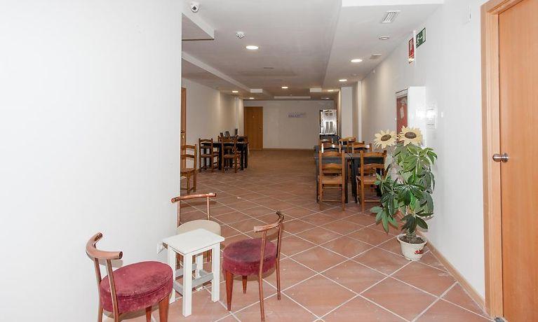 Sala Fumatori Aeroporto Barcellona : Galaxy star hostel barcelona barcellona